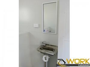 shower-toilet-laundry-12