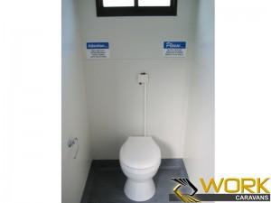 shower-toilet-laundry-14