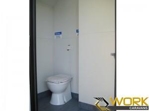 shower-toilet-laundry-17