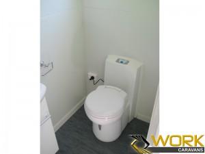 shower-toilet-laundry-19